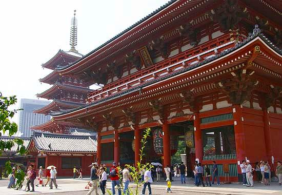http://tokyo.hix05.com/Temples/asakusa-kannon/asakusa00.jpg